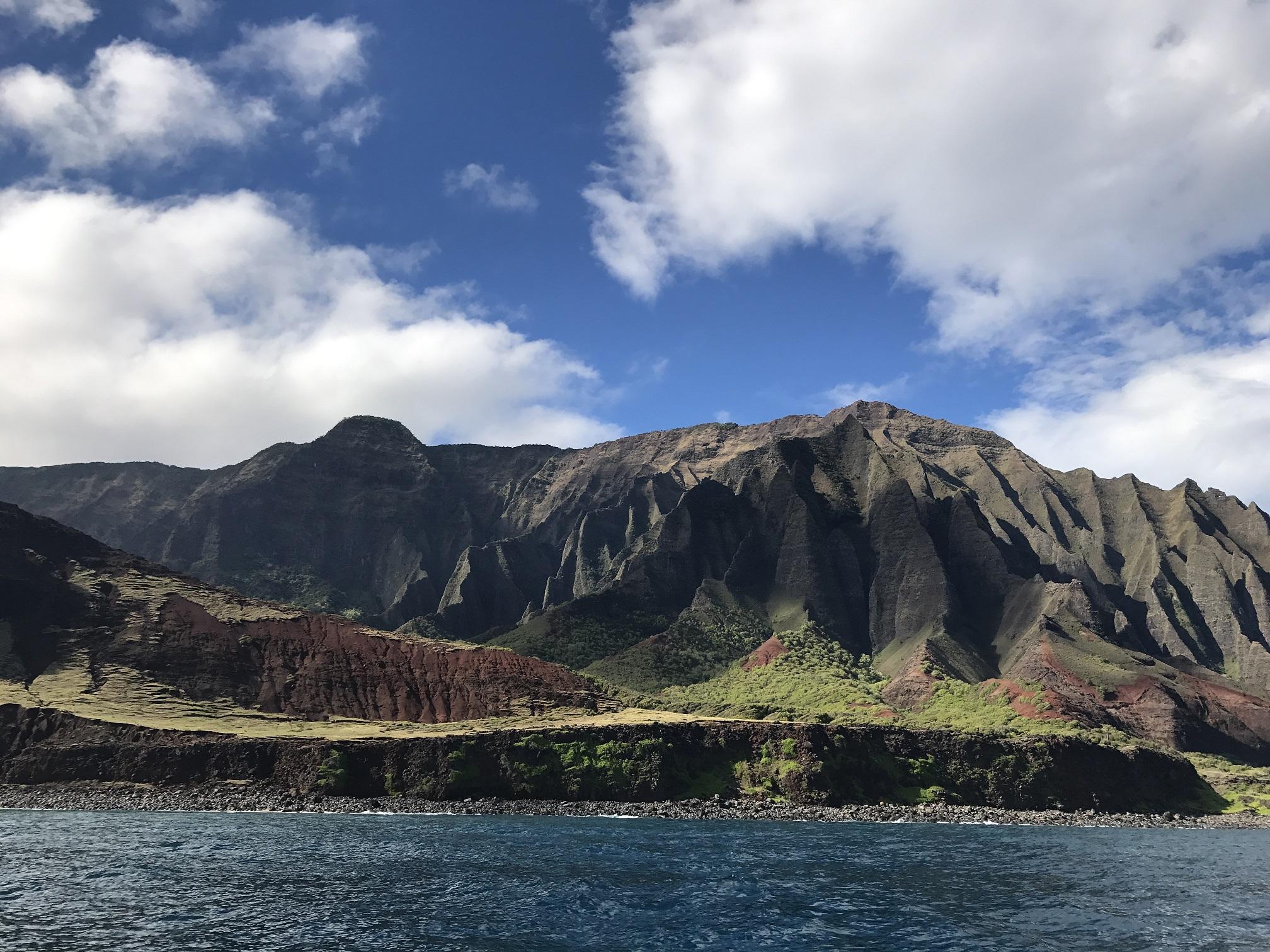 Vue de la Na Pali Coast depuis la mer